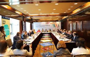 La acción y liderazgo local en el centro de la transformación a sociedades más sostenibles, solidarias y creativas
