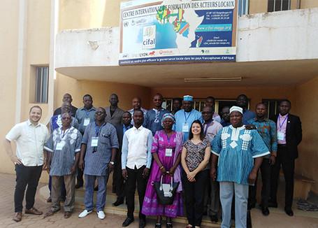 L'équipe d'apprentissage de CGLU et CGLU Afrique mobilisent des acteurs locaux africains dans les formations sur les ODD